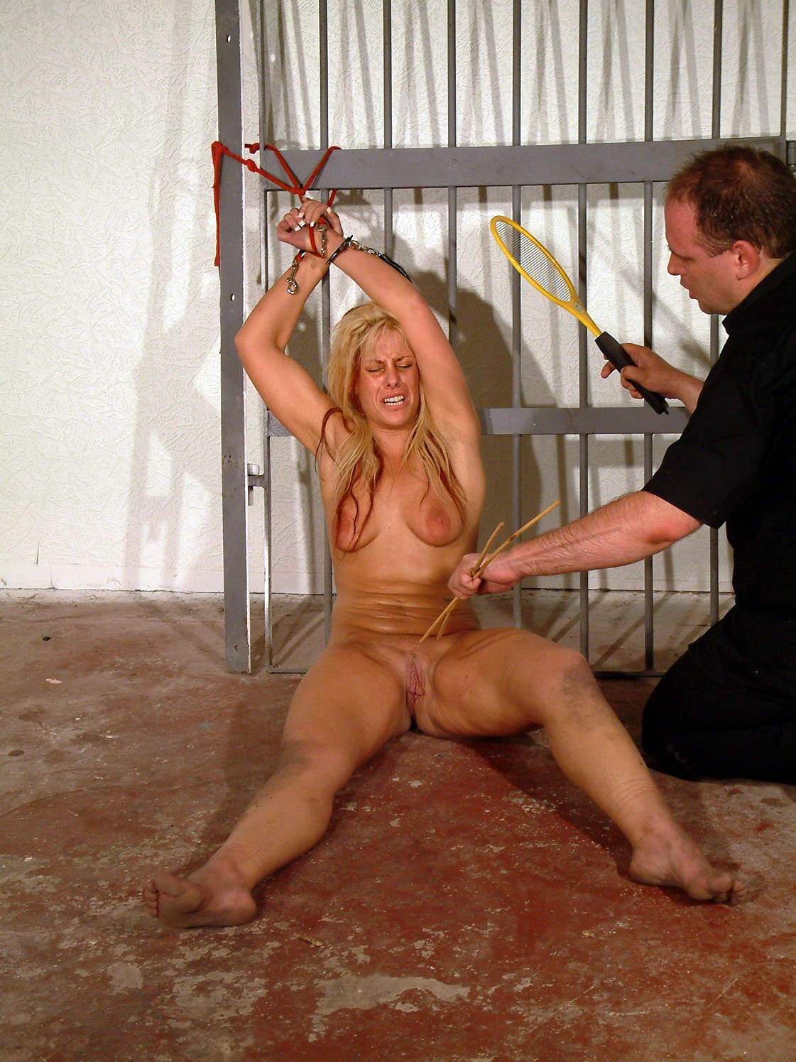 Erotic pictures of torture and sex